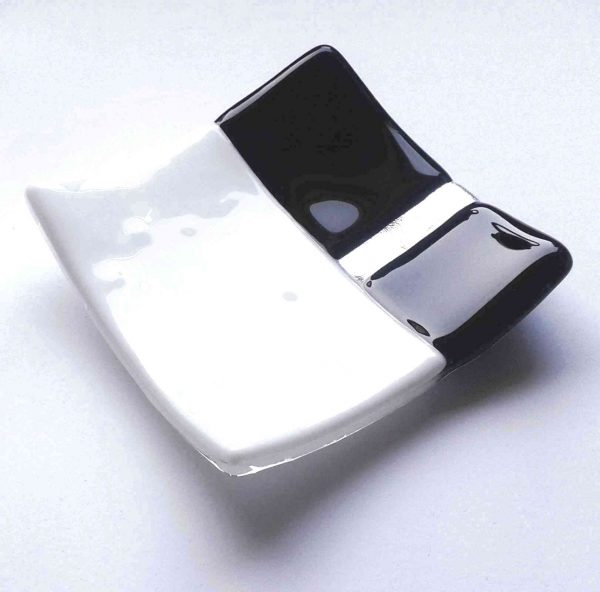 Black and white geometric glass jewellery dish