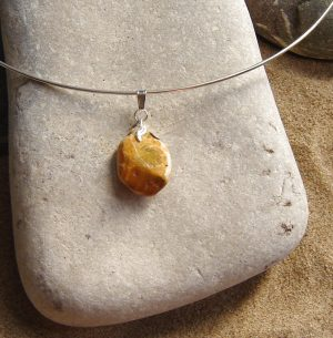 Yellow Ochre Flint Wire Choker Necklace. Natural British Flint Pendant Necklace. This ochre flint has been hand-collected on the Northumbrian coast of England